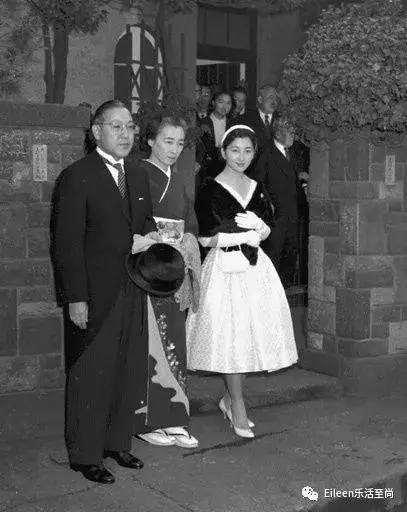 日本容嬷嬷诛心 皇后组团欺凌,太子妃艰难升级,这一生何时自由图片