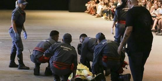 男模走秀踩鞋身亡巴西时装周上演一起猝死惨剧