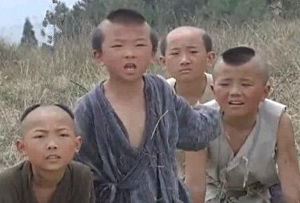 朱元璋要求大臣们向龙椅磕头,为什么刘伯温却不磕头?原因很简单