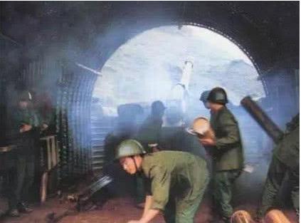 中越战争:越军国产手榴弹有90%无法爆炸