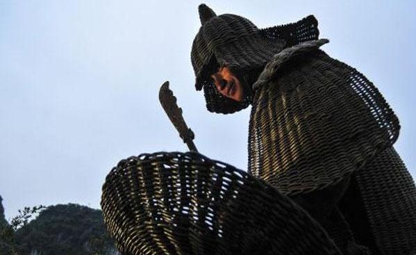 中越战场上,为什么解放军从不戴头盔?65岁老兵战士:条件不允许