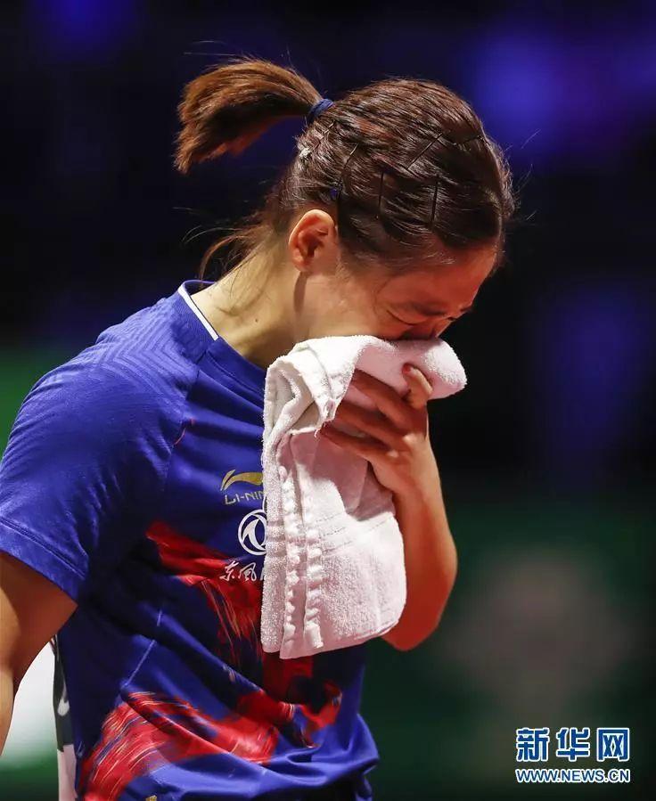 三进决赛布达佩斯终加冕,刘诗雯的二十八岁人