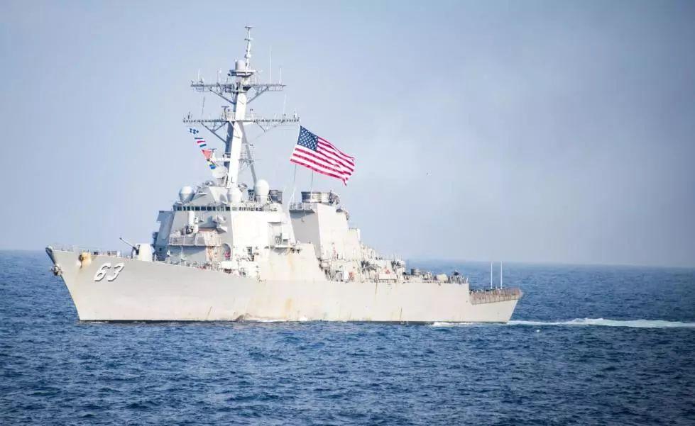 美军舰又双叒通过台湾海峡……