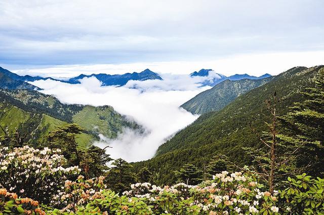 """中国最美""""雨城"""",一年有200多天都在下雨,养出的人儿肤白貌美"""