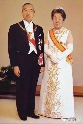 平成时代最撕心裂肺的皇室偶像剧 明仁天皇和他的平民媳妇图片
