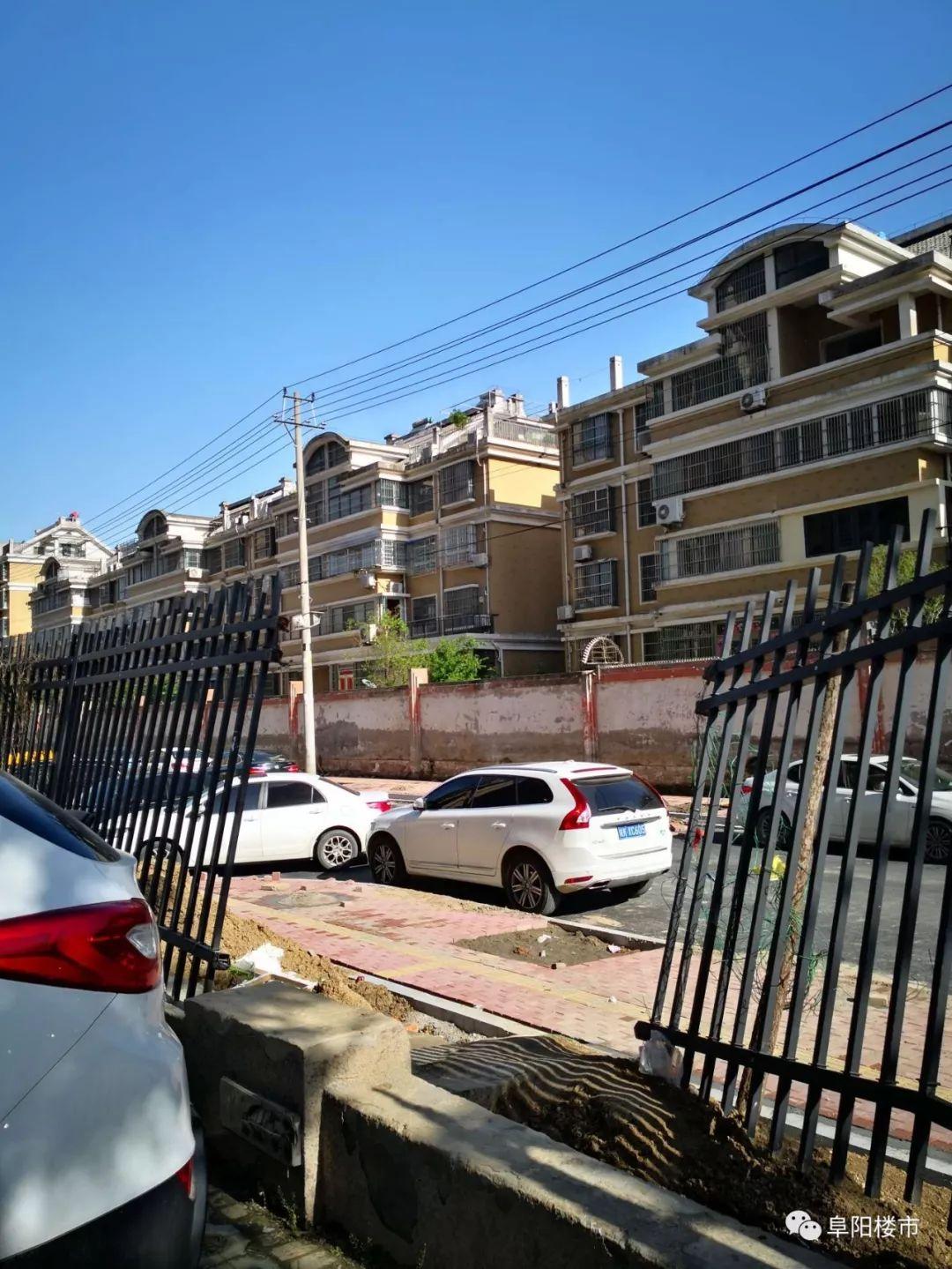 【实拍】阜阳这家小区:燃气箱暴露,围墙开放……如何保护业主安全?