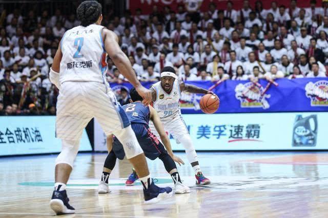 赛点战或横扫,广东队已做好两准备,暗示将在客场夺冠!