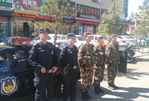 克东县公安局特战队、特警与武警联勤启用武装巡逻确保辖区治安稳定