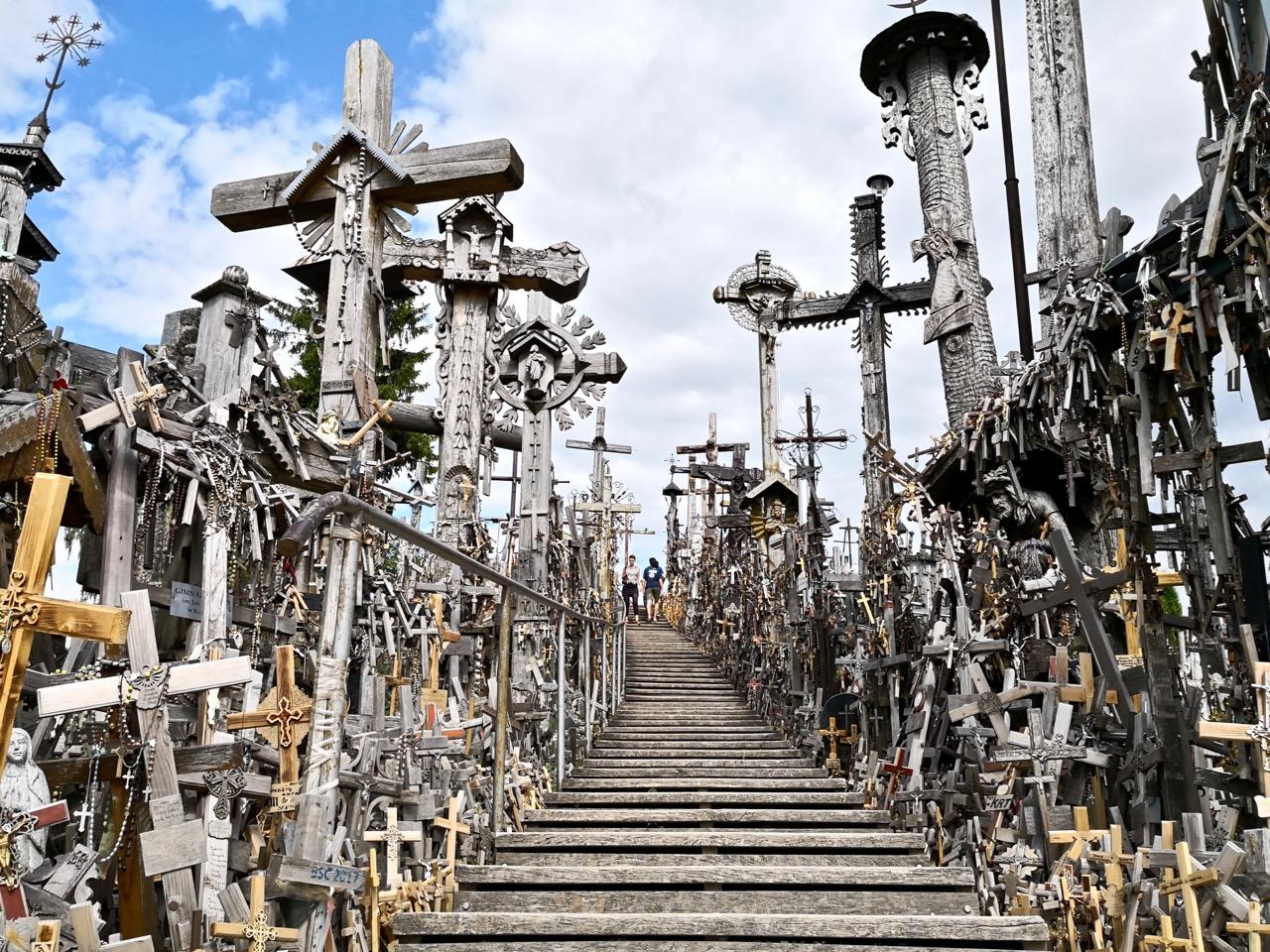 立陶宛的十字架山,空旷原野上的神秘之地