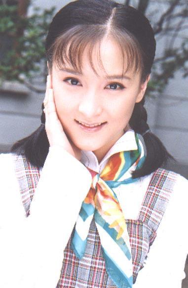 她23岁演梦萍走红,曾遭豪门婆婆排斥,今42岁冻龄活成人生赢家!