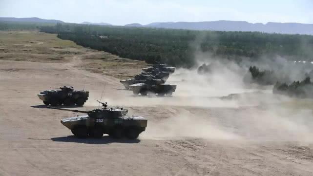 中美中型旅对比 美军能控制500平方公里 解放军火力压制猛