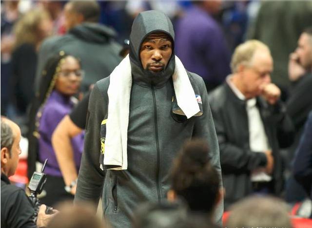 <b>NBA3冠传奇,公开宣言能带2个人,防死詹姆斯+KD,又无视勒布朗</b>