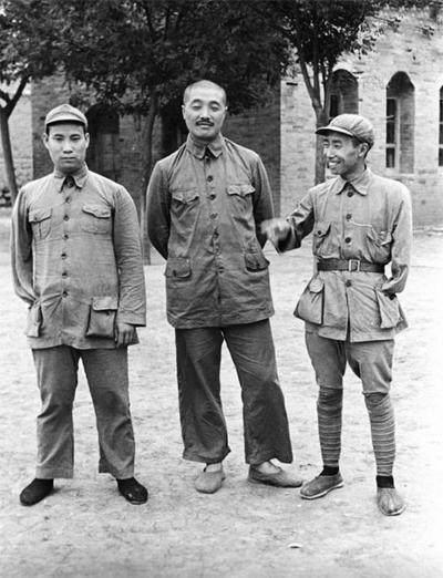 这位开国中将,本是贺龙元帅的部下,后来的成就却超过了贺龙