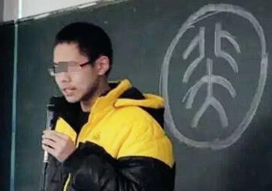 北大学霸弑母案:吴谢宇不是一个人,他只是母亲打造的完美作品!