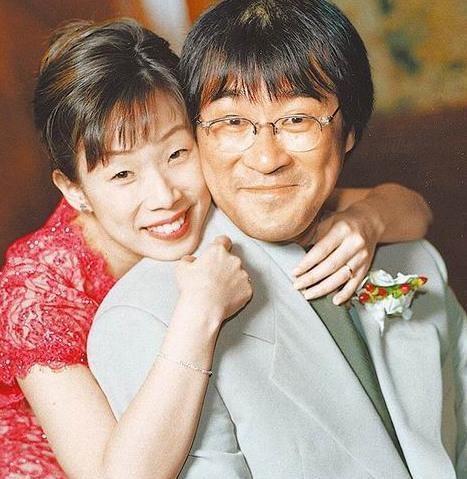 李宗盛林忆莲15年后同框,与李宗盛现任热聊无尴尬,女儿美成亮点