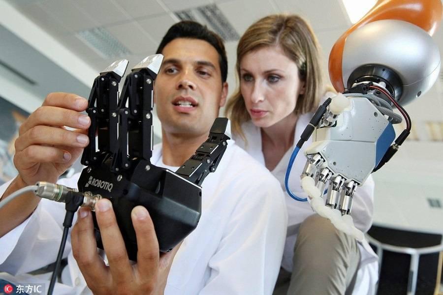 未来工厂只见机器人身影,劳动节或将成为机器人的节日?