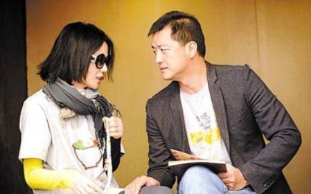 李亚鹏携绯闻女友再度亮相,上海看房,小女友颜值身材获赞图片 22029 449x280