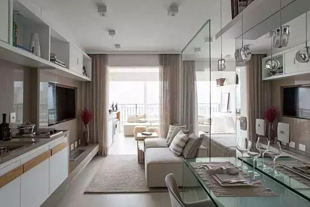 35平单身公寓,把墙拆了换成玻璃隔断,漂亮到进门完全不敢认!