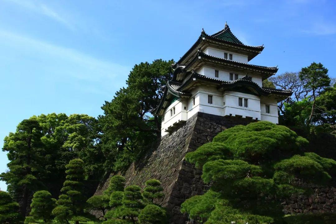 日本天皇是如何炼成的?