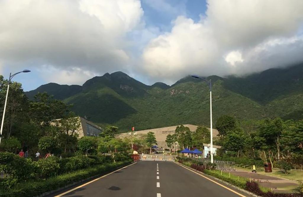 在深圳何必世界之窗,更值得来七娘山,不仅免费开放还有无敌海景
