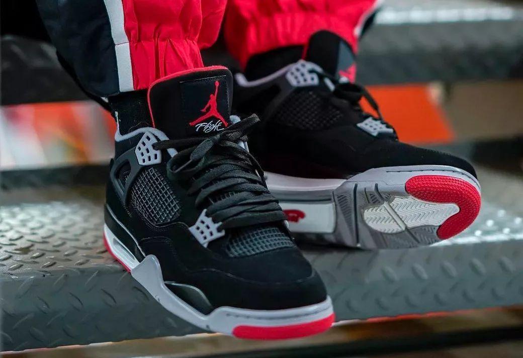 上脚超帅!黑红 Air Jordan 4 今早发售,你抢到了吗?