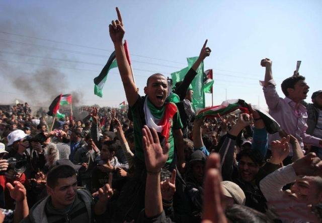 落后就要挨打!以色列军队再对巴平民开枪扫射,已造成50多人伤亡