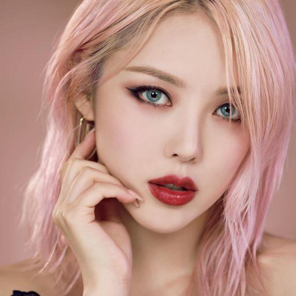 浅粉紫色头发图片