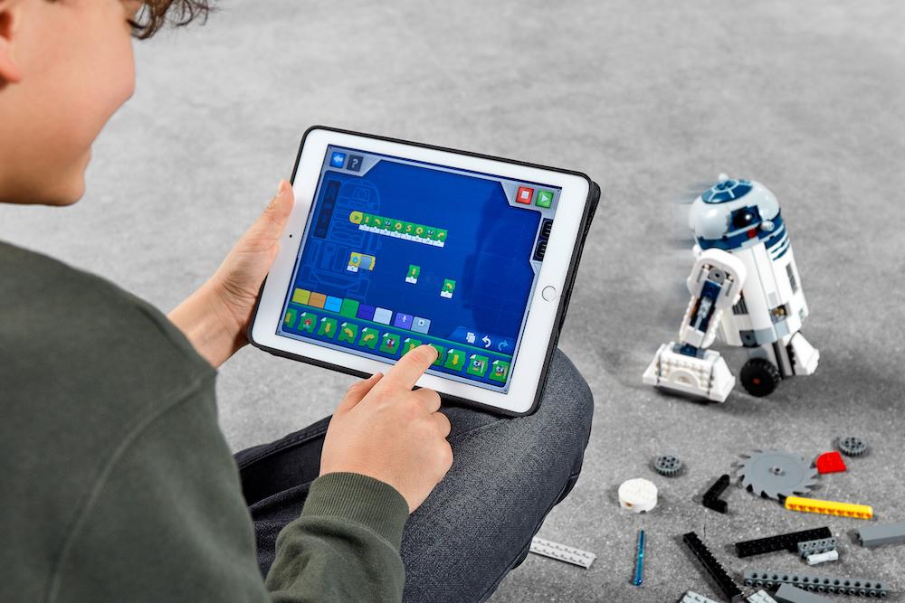 乐高推出星球大战 STEM 套件,让你在 R2-D2 的帮助下学编程