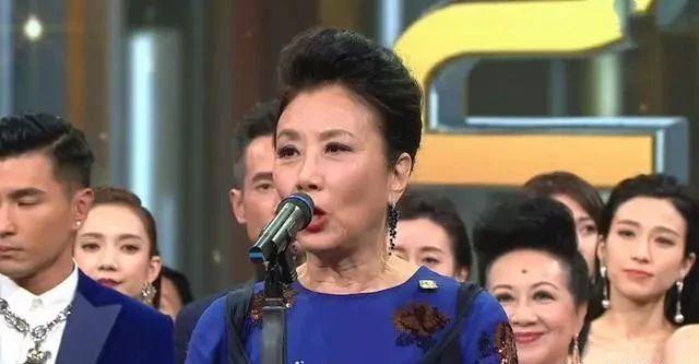 罗家英曝TVB内幕!演员不配合会被雪藏,工资还低到让汪明荃吐槽怎么让仓鼠减肥