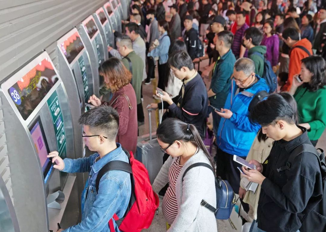 <b>加开客车245列,今日长三角铁路迎来返程客流高峰</b>