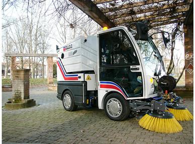宝路3000:扫路车机械传动和液压传动浅析