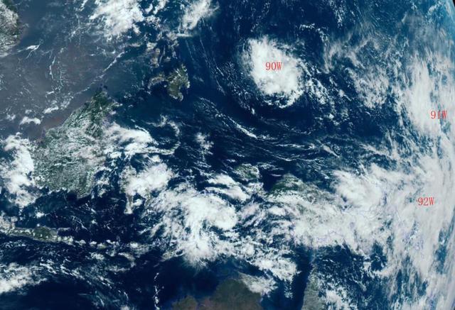 原创突发!西北太平洋现3台风胚胎,超级计算机:91W或成3号台风圣帕