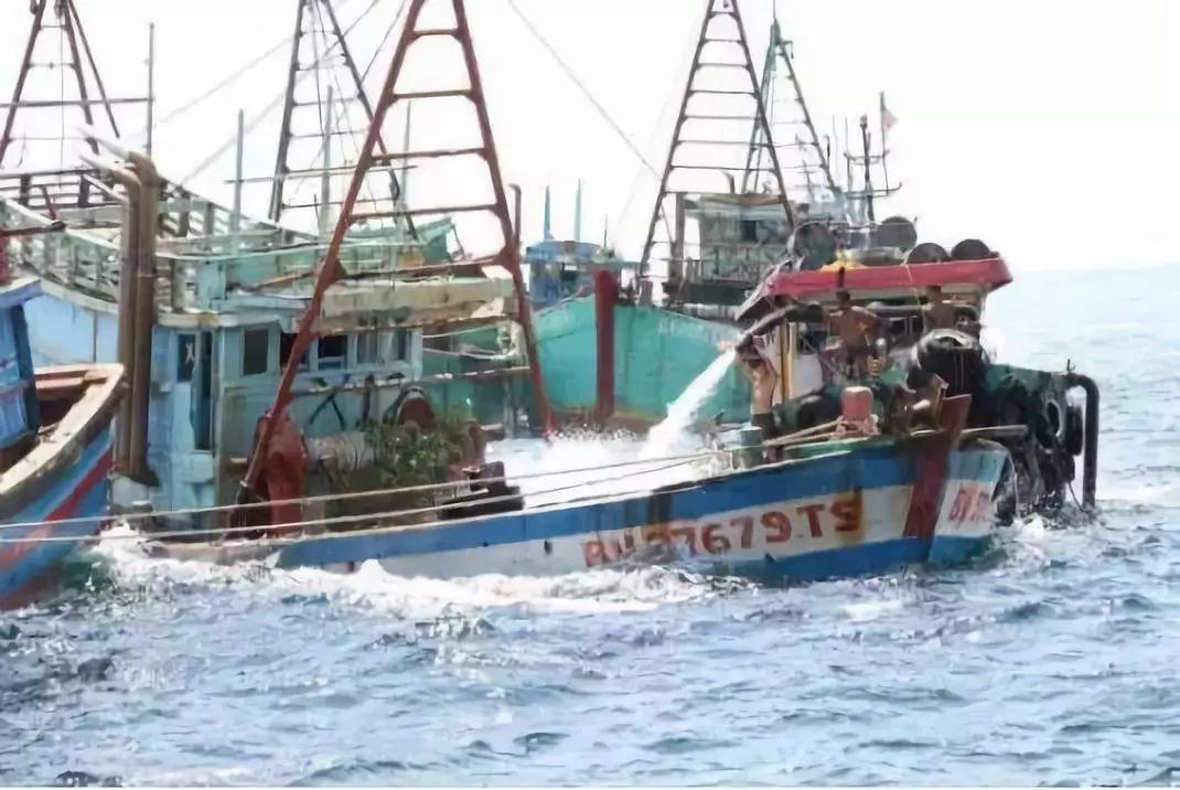 """印尼一天""""击沉""""38艘越南渔船..."""