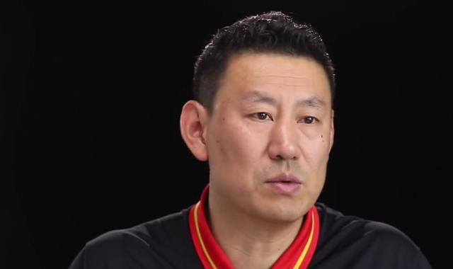中国男篮20人大名单出炉!小杜兰特意外入选,易建联与郭艾伦领衔