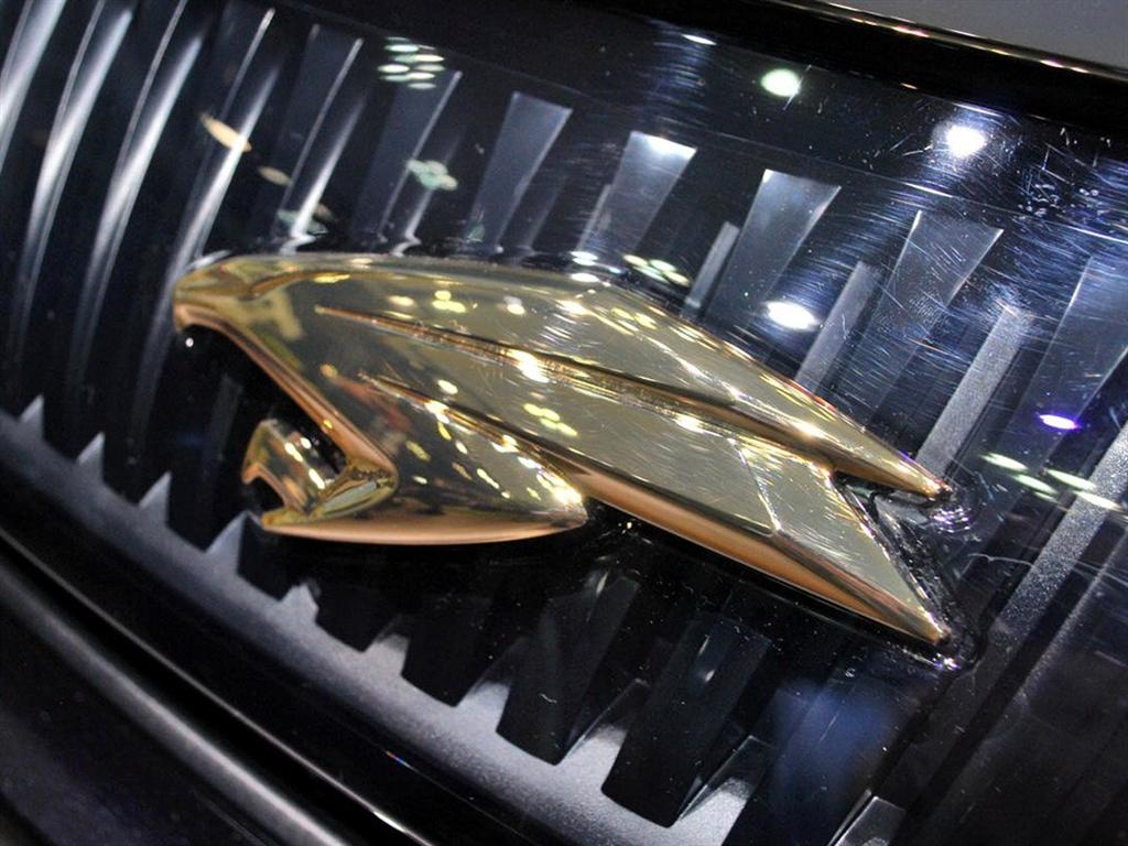 12代皇冠改14代水晶大标,装车!#皇冠 #丰田皇冠#皇冠改装