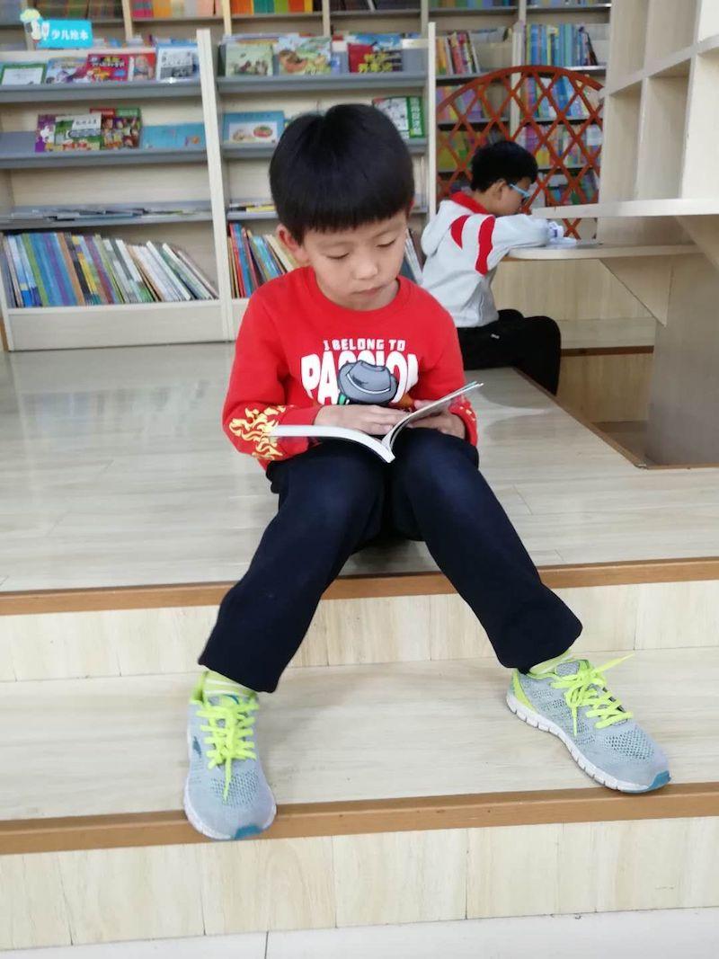 小学三爱教育征文_征文获奖专访| 邢栋: 在爱看书的家庭成长,喜欢随手记事_妈妈