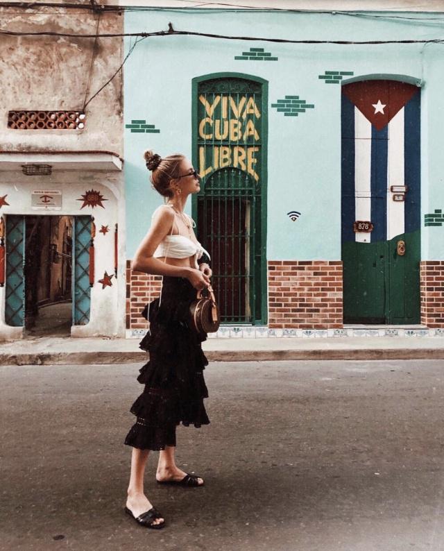 欧美风穿搭真气质,黑黄皮照样穿出女神范,大长腿更是不在话下