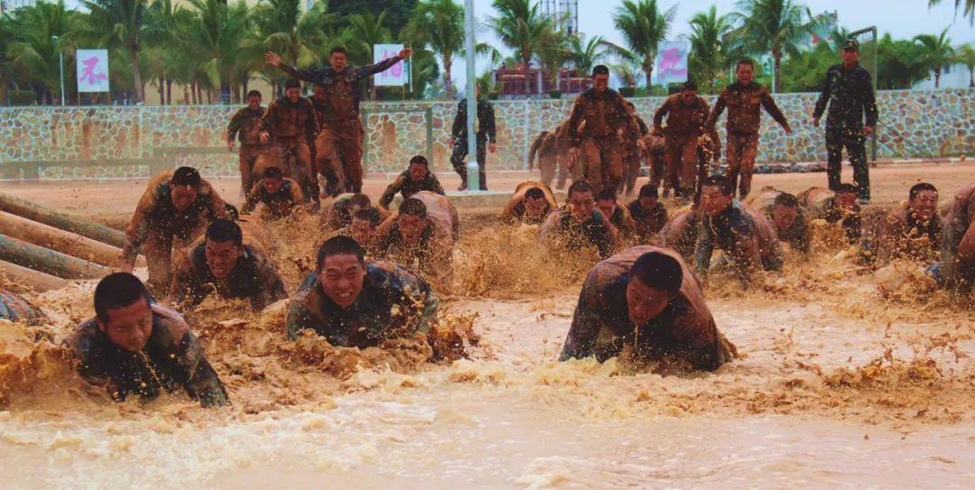 一组海军陆战队超燃图片,送给在逆境中成长的中国军人