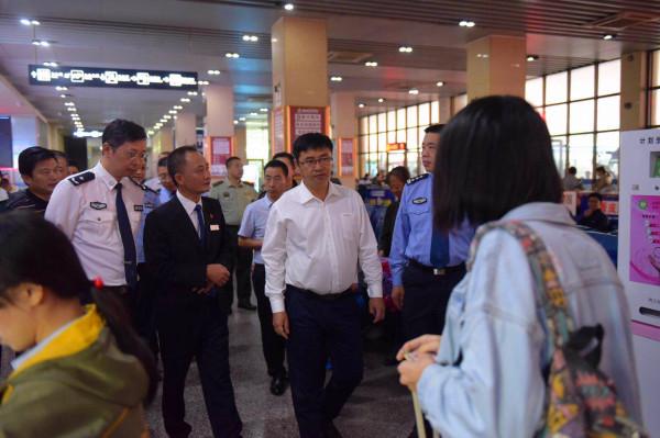 内江公安全力护航民营经济健康发展