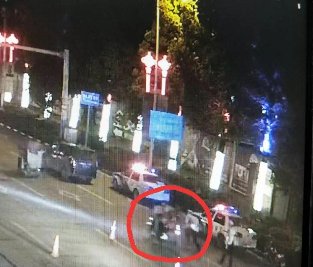 焦点!大竹男子为逃避检查强行冲卡至辅警受伤被拘留!