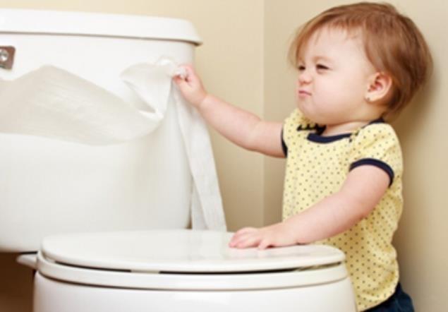 二岁宝宝尿裤子