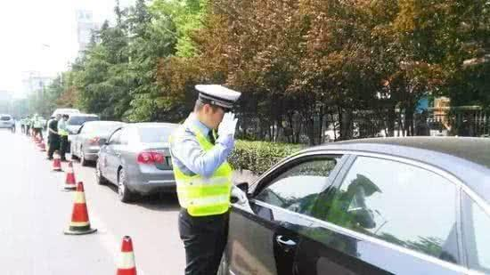 司机3年29次违章这是真的吗?司机3年29次违章令人震惊