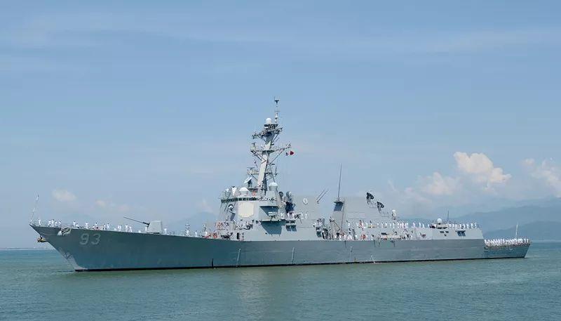 两艘美舰再闯南沙岛礁12海里,中美南海矛盾还有回旋余地吗?