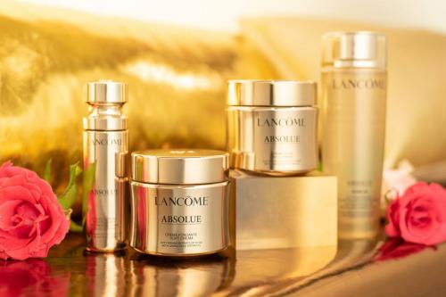 独家解密:30年,化妆品美白方式的四大阶段