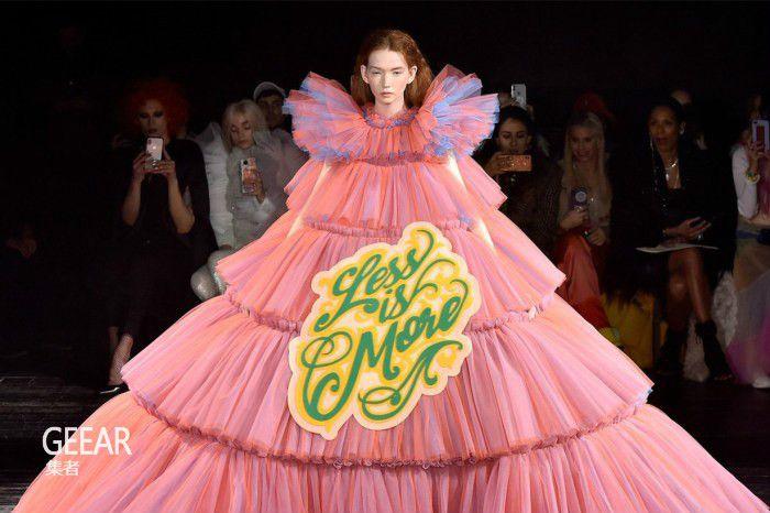 一文看懂MetGala的时尚主题!细数时装世界的怪美时刻!