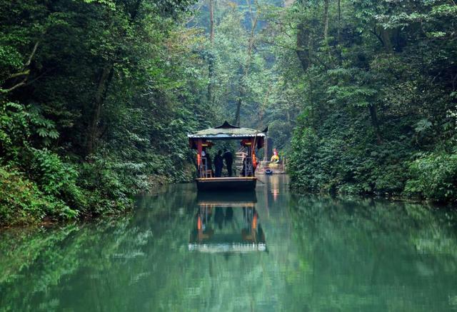 """中国最壮观的竹海,被誉为""""川南四绝"""",是绝佳的避暑胜地"""