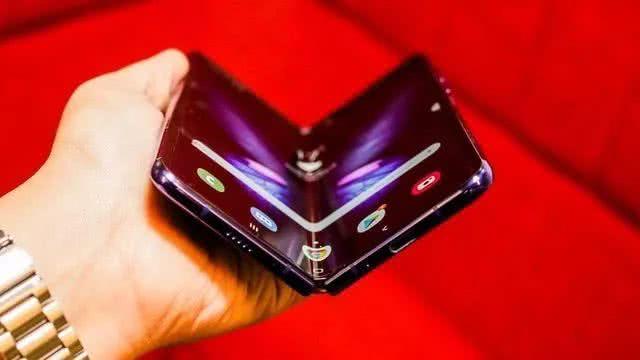 揭秘折叠屏手机三星Galaxy Fold 不止是厚积薄发