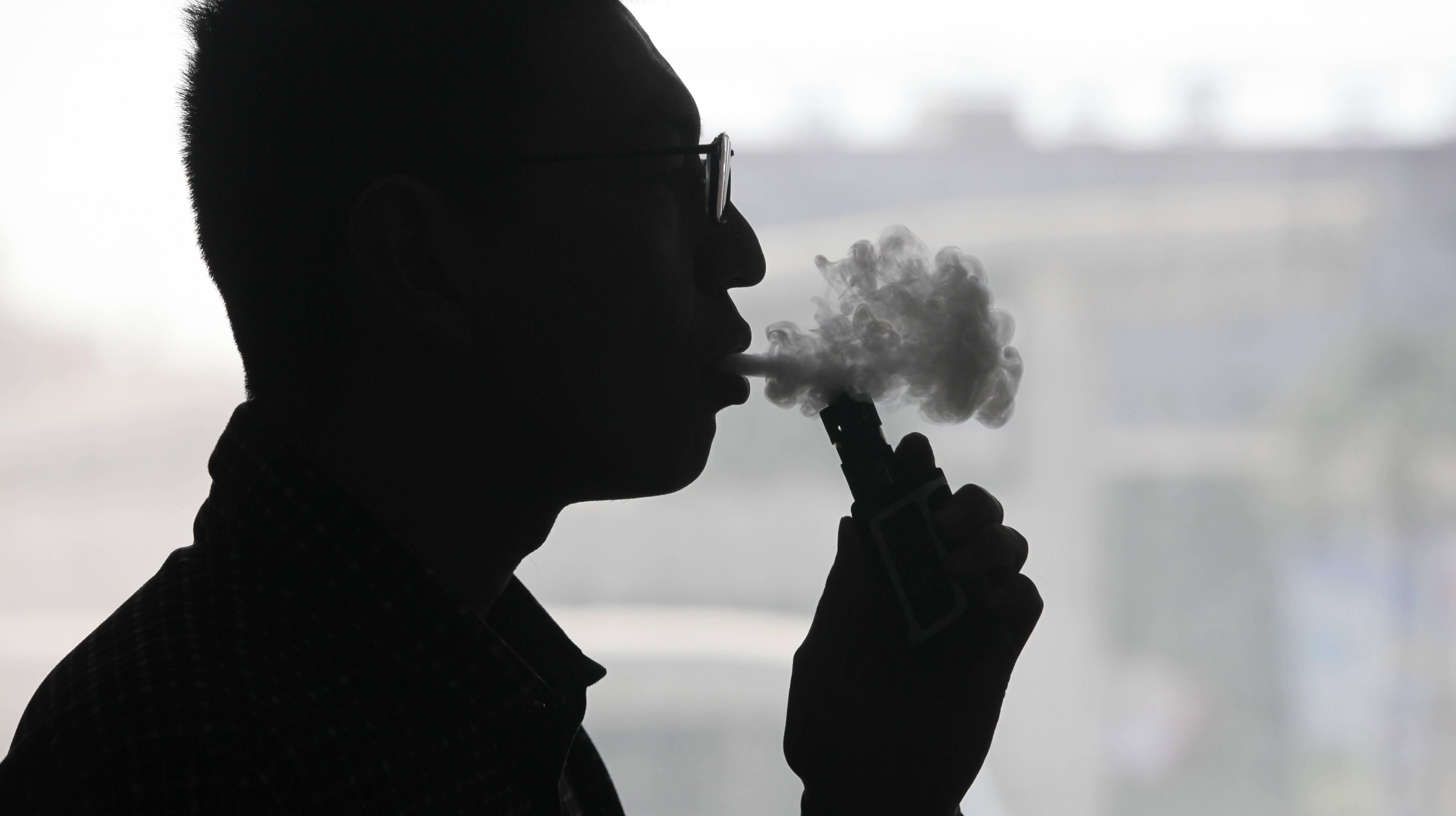 【虎嗅早报】小米或有意入局电子烟;斯坦福:录取赵雨思与捐50万美元无关,因作假退学