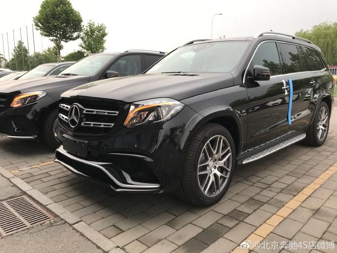 提车2019款奔驰GLS63AMG 内饰外观颜色