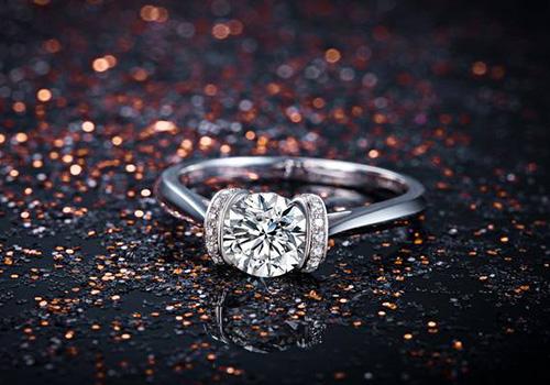 看看钻石的4c标准都是什么?